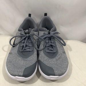 Nike flex experience run 8